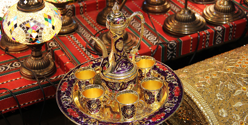 Tunisian Tea set in a souk